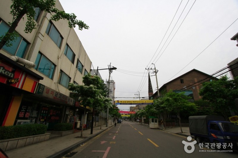 Munjeong Dong Rodeo Street 문정동 로데오거리 Trippose